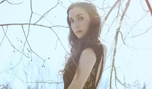 Marissa Nadler Covers Dolly Parton Hit: Old flames can't hold a candle to you